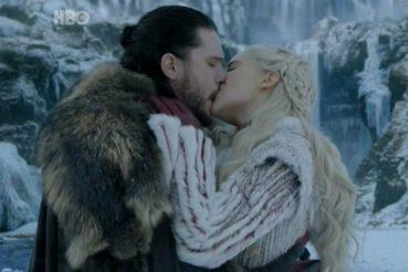 Jon-Snow-Daenerys-Game-of-Thrones-Season-8-696x464